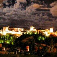 alhambra granada nocturna